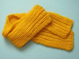 Manguun Bufanda de lana naranja dorado