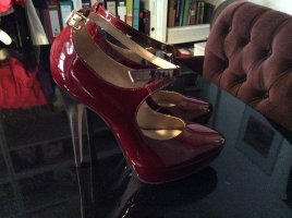 Wunderbare rote Lack High Heels von Buffalo