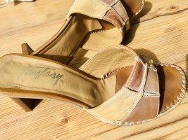 Wunderschöne offene Absatz Schuhe