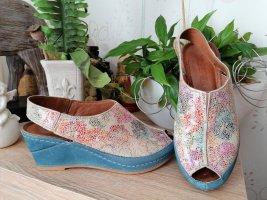wunderschöne Sommer-Sandalette mit Keilabsatz und Plateau