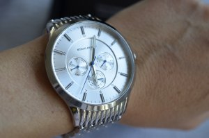 Wunderschönen Größe Uhr