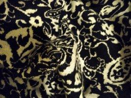 Wunderschöner Rundhalsschal mit Muster