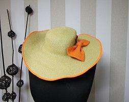 Chapeau de paille orange