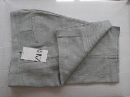Zara Bermudashorts aus 69% Baumwolle, Größe S neu