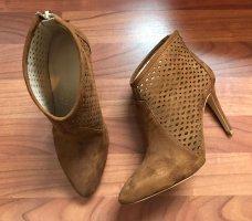 Zara elegante Stifelette Gr 38 Booties Anke Boots high heels hellbraun Pumps NEU