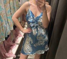 Zara gemustertes Kleid in Satinoptik