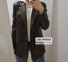 Zara Oversize Blazer aus Kunstleder