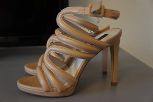 Zara Pupms Größe 37 TOP Sandalen Highheels Leder beige