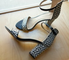 Zara Tacones de tiras negro-blanco Cuero