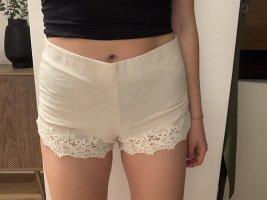Zara Shorts mit Spitzendetails
