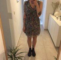 Zara sommerliches leichtes Blumen Kleid florales Muster