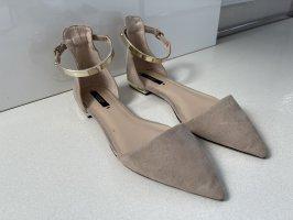 Zara spitze Ballerinas nude beige Gold 40 mit mini Gürtel Gold verziert