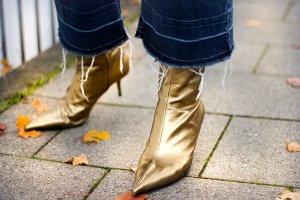 Zara Stiefelette Stiefel Leder Gold Spitze Pfennig Absatz Ausverkauft neu 39