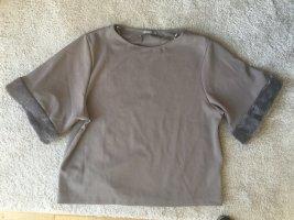 Zara taupefarbenes Shirt mit künstlichem Fellbesatz an den Ärmeln M klassische Impressionen