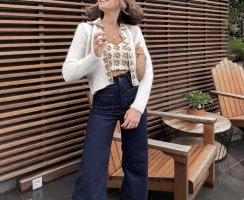 Zara weiße Strickjacke / Cardigan / Jacke mit gemusterten (Blumen / Blümchen ) Kragen und Knopfleiste