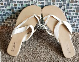 High-Heeled Toe-Post Sandals white