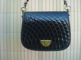 zierliche schwarze Lackledertasche mit Aussenstepp 16x 13 cm