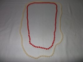 Naszyjnik z perłami czerwony-biały Tkanina z mieszanych włókien