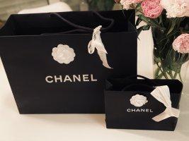 Zwei Tragetaschen von Chanel