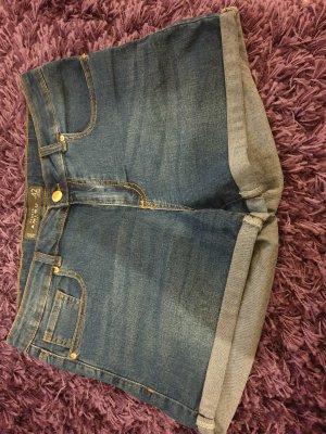 Amisu Pantalón corto de tela vaquera azul