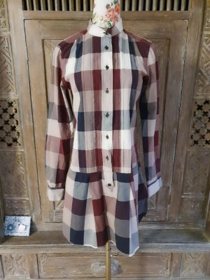 0039 Italy Vestido camisero burdeos