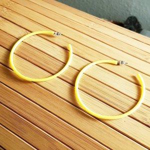 1 Paar große gelbe Creolen , 65mm