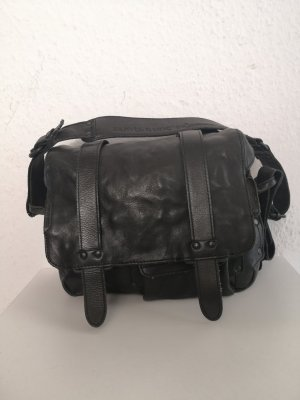 aunts & uncles Crossbody bag black leather