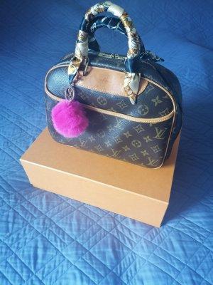 100% Authentic Preloved Louis Vuitton Trouville
