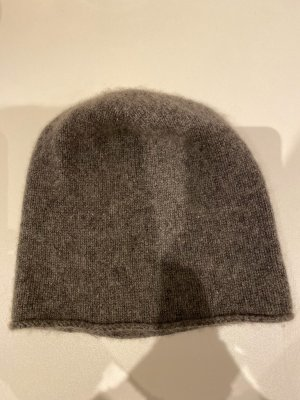 COS Knitted Hat grey cashmere