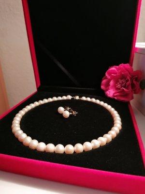 Collier de perles doré