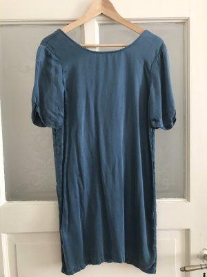 100% Seide Kleid mit tiefem Rückenausschnitt