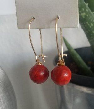 18k Gold Boho-Creolen mit roter Perle (Handgemacht)