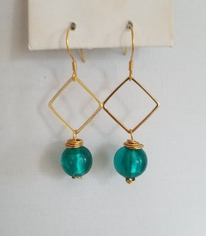 18k Gold Ohrringe mit türkiser Perle (Handgemacht)