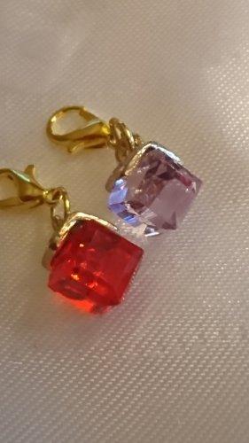 2 Charm Anhänger lila - rot Krystall mit Karabiner