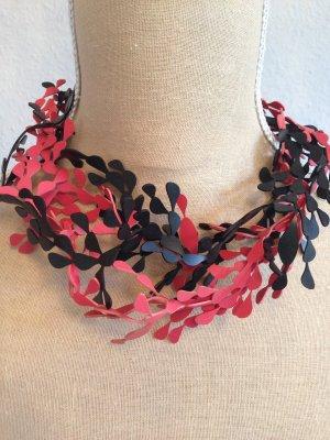 Collana rosso scuro-nero Materiale sintetico