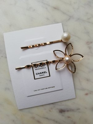 Hair Clip gold-colored-natural white metal
