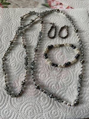 Collana di perle nero-argento