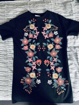 2 Kleider XS zu einem Preis 10€ gesamt