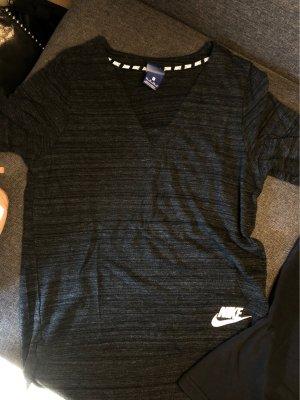 2 Sportshirts (Nike&Adidas) XS