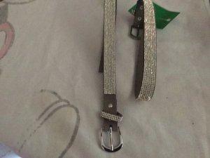 Cinturón gris