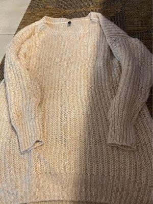 2. Strickpulli auch als Kleid kombinierbar
