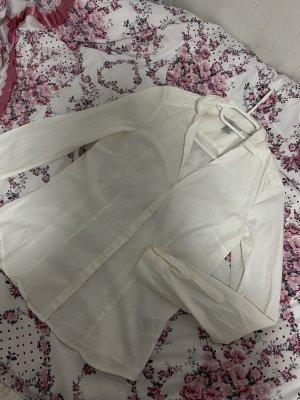 2 weiße Hemde