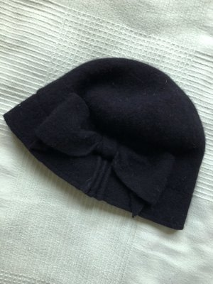 Rules by mary Woolen Hat black wool