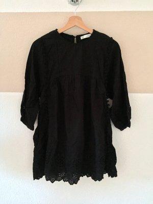 21081303 Schwarzer Lochmuster Bommel Jumpsuit, Kleid von Zara, Gr. S