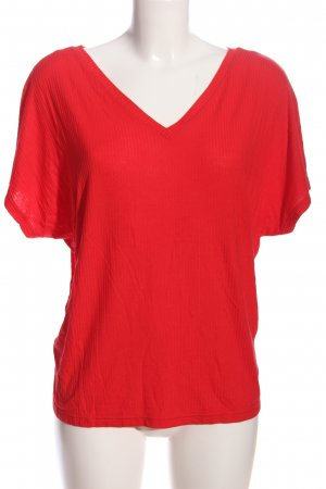 24Colours V-Neck Shirt red casual look