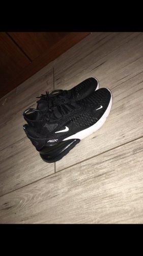 270er Nikeschuhe