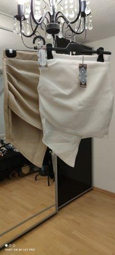 2x Asymmetrische Röcke mit seitlicher Raffung