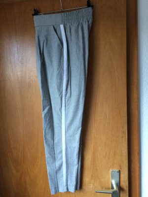Stradivarius 3/4 Length Trousers light grey-white