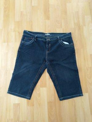 Yessica Pantalone a 3/4 blu