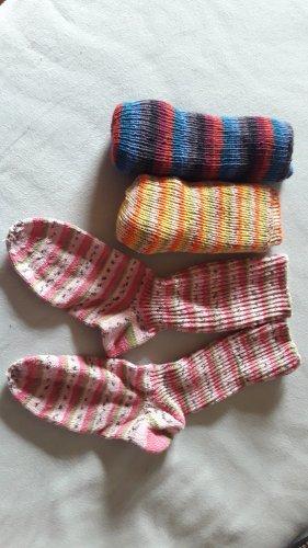 3 Paar gestrickte Socken